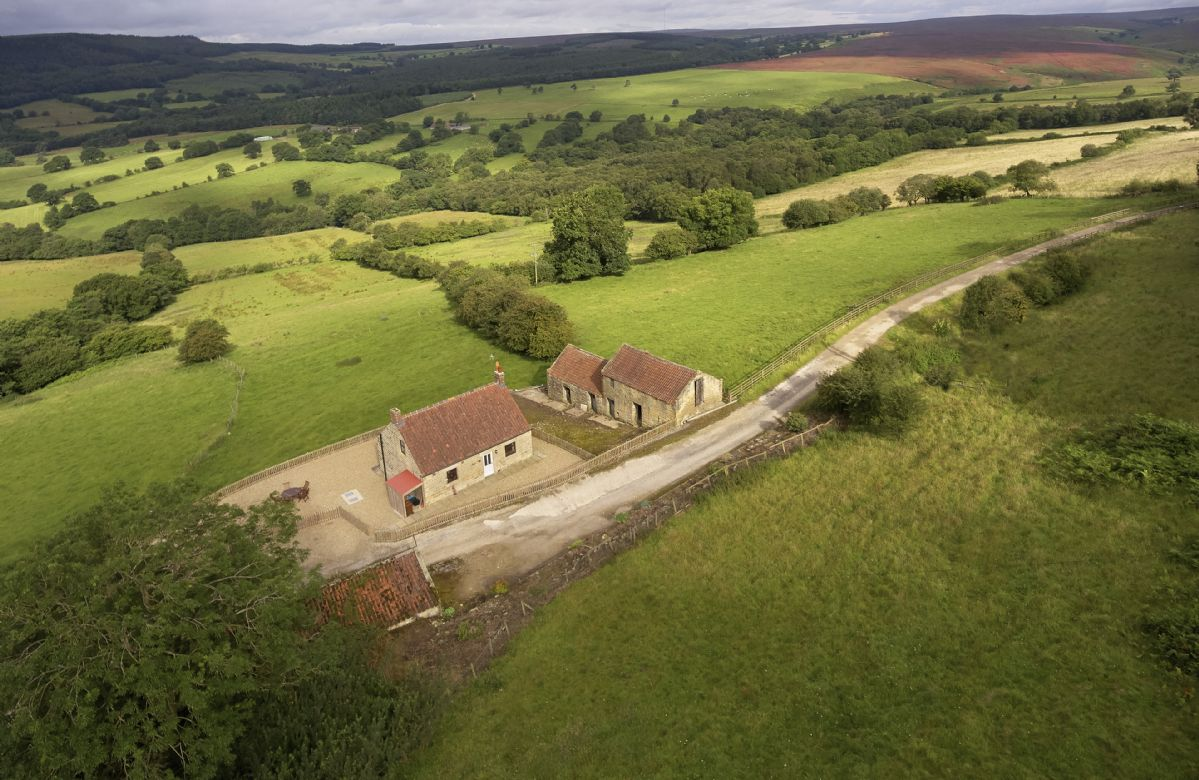 Click here for more about Threp'nybit Cottage