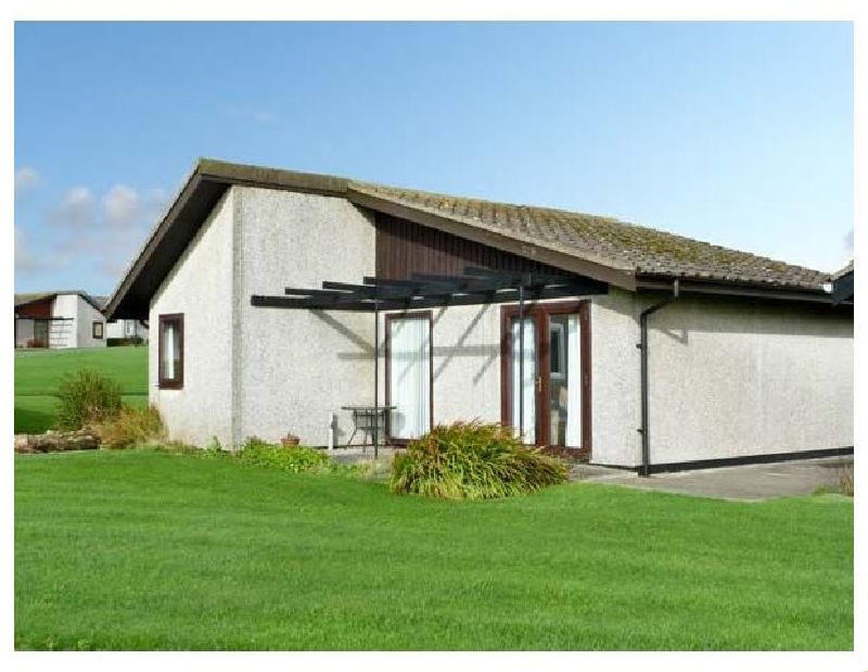 23 Laigh Isle a british holiday cottage for 3 in ,
