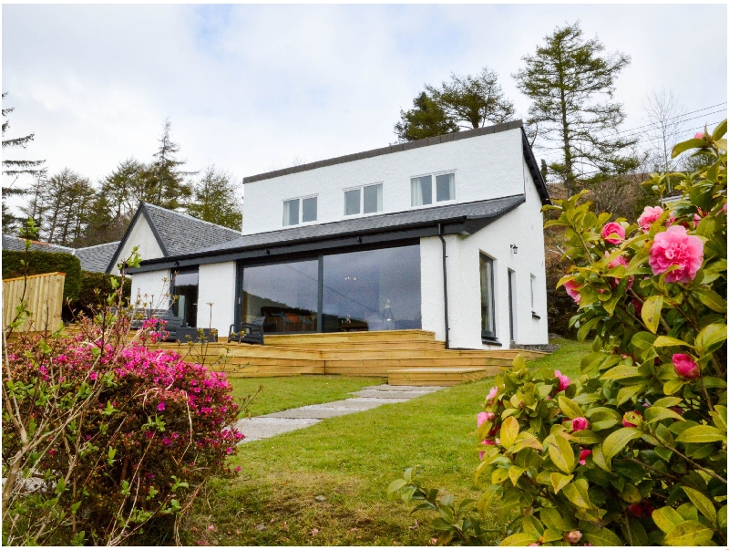 Click here for more about Grannda Mhor