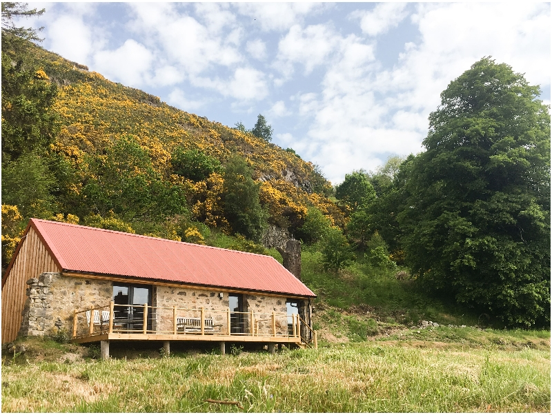 East Craigdhu Cow Byre a british holiday cottage for 2 in ,