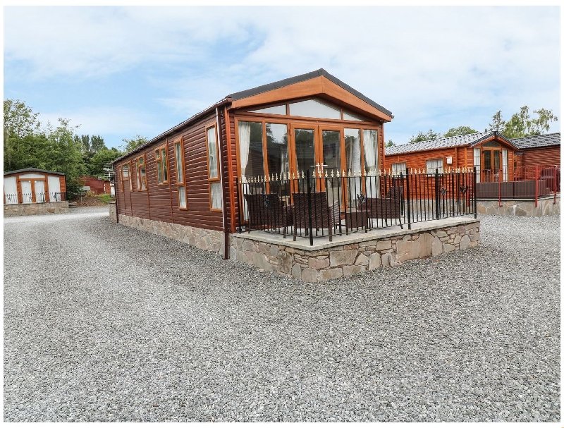 Click here for more about 32 Cruachan Lodge