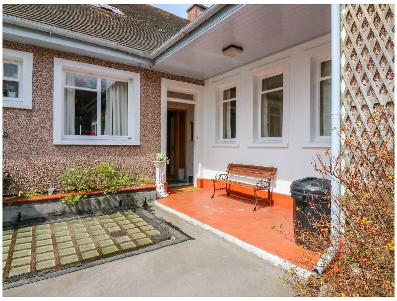 Details about a cottage Holiday at Bay View Apartment